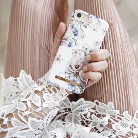 Floral Romance mobildeksel 299,-