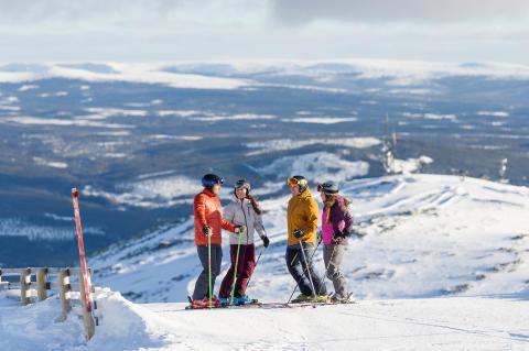 Neues aus Ski-Norwegen: Video-Studien, beheizte Sessellifte und Flutlicht-Snowboardpisten
