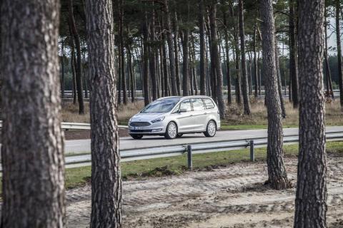 Ford Galaxy AWD (4)