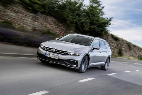 Populär laddhybrid tillbaka − nya Volkswagen Passat GTE går nu att beställa