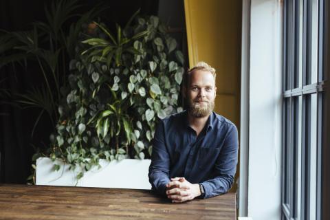 Liggande: Henrik Thorvinger