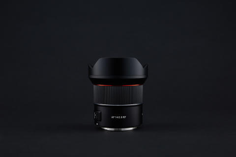 Samyang AF 14mm F2.8 RF 06_black background (1)