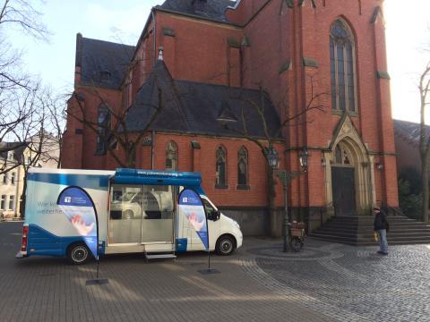 Beratungsmobil der Unabhängigen Patientenberatung kommt am 8. Mai nach Düsseldorf.