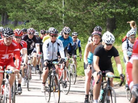 Första cyklisterna i mål i premiären av Vansbro Bianchi 120