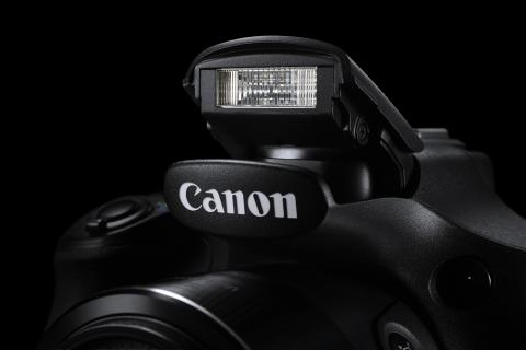 PowerShot SX60 HS Beauty 3