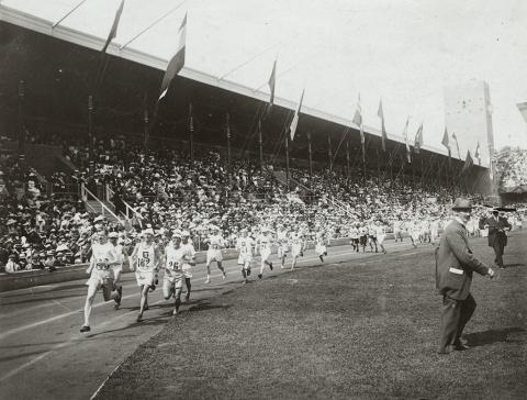 Löptur med historiska vingslag när Maratonleden invigs
