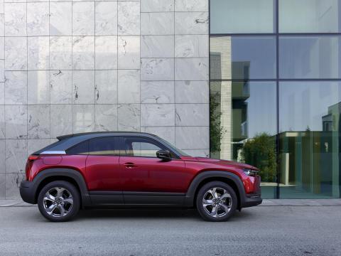 Mazda sætter priser på sin nye elbil