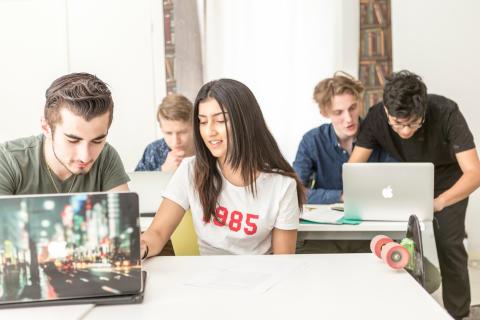 ThorenGruppen väljer Skolon för enklare digitalt lärande för sina 10  000 lärare och elever