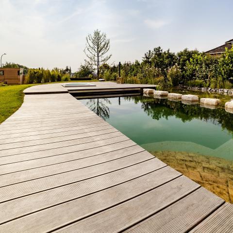 Villa Fulda mit Kebony Deck und Naturpool