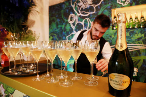 Vorstellung der neuen Perrier-Jouët Classic Range in der Art of the Wild Champagnerbar im Tortue Hamburg