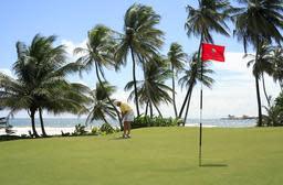 Magdalena Grand Beach & Golf resort tar over golfbanen på Tobago