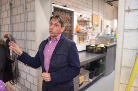 """Schauspieler Thorsten Wolf gibt Einblicke hinter die Kulissen von """"Tierärztin Dr. Mertnes"""" - Foto: Isabell Gradinger"""