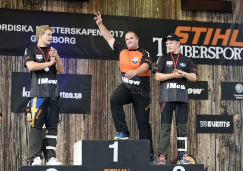 En mycket nöjd och glad mästare, Jan Kamir Tjeckien, som vann med minsta möjliga marginal.