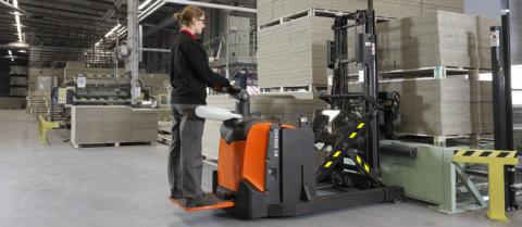 Toyota Material Handling utökar sin staplarserie BT Staxio