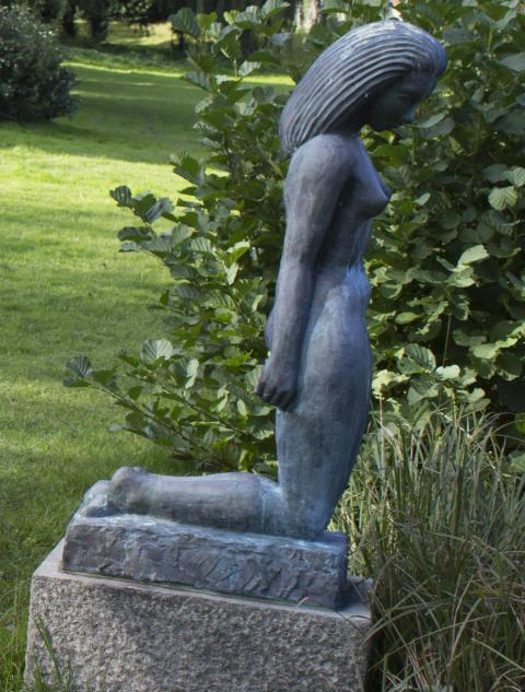 Staty i brons stulen