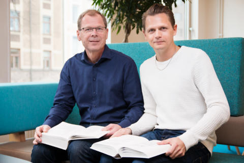Martin Steno, Niklas Olars