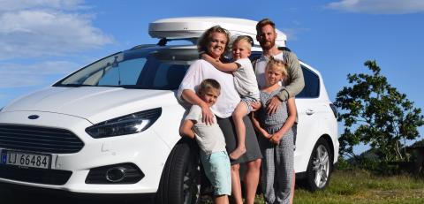 Lager sakte-TV fra en Ford S-MAX gjennom hele Europa