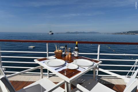 Décors maritimes et une assiette du centenaire en exclusivité – Villeroy & Boch se met au service des arts de la table du légendaire Hôtel du Cap-Eden-Roc sur la Côte d'Azur