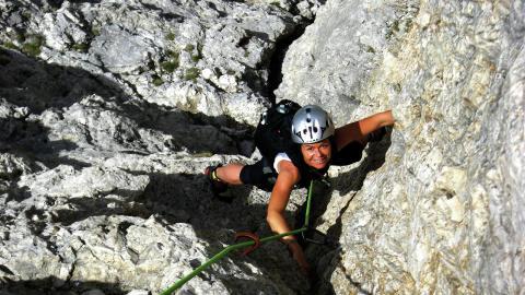 Erste Kletterwand Südtirols an Staumauer eröffnet