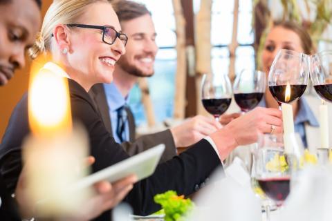 Julbordet en tradition – att göra affärer på