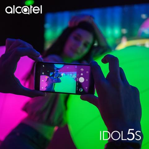 Idol5s_SCN04_Lifestyle_02