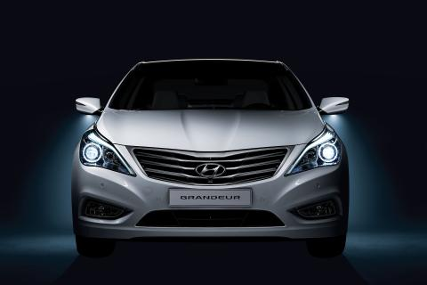Hyundai Grandeur (front 2)