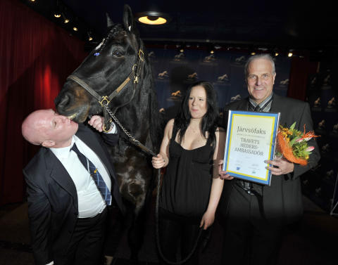 Järvsöfaks hyllades – och Torvald Palema blev Årets häst