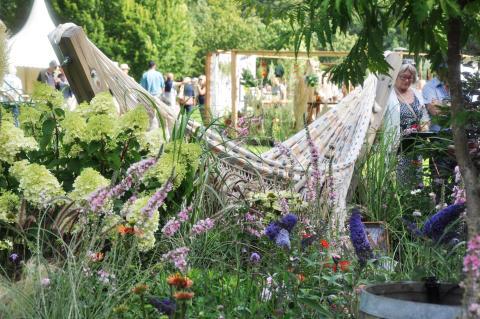 Trädgårdsprofiler skapar gröna oaser