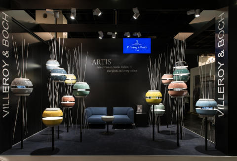 Turn your showroom into a lounge – High-quality Artis lights and Quaryl® furniture made with Villeroy & Boch's best-selling baths