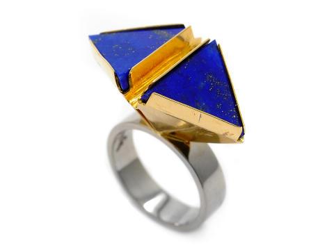 Moderna 17/8, Nr: 179, GIERTTA, ring, 18K guld/vitguld, lapis lazuli