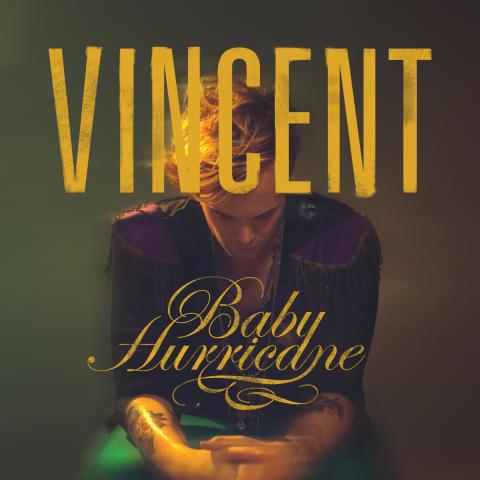 Vincent bryter tystnaden men en ny hitsingel