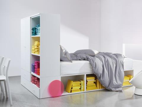 PLATSA sengestel med 2 døre og 3 skuffer 3.750.-