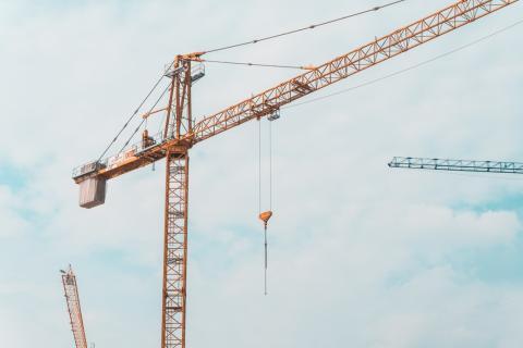 Tre ting at overveje når du vil bruge kran i dit byggeri