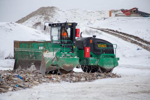 Kompaktorkrossning av avfall - Ragn-Sells Häradsudden
