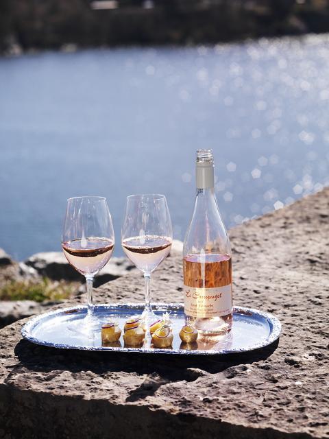 Sommar och rosé på Högberga Gård
