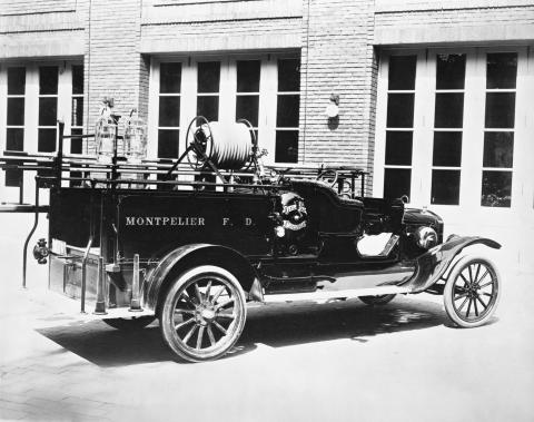 1919 Ford Model TT one-ton fire truck neg 99141