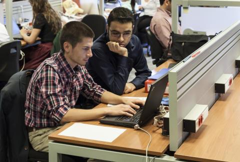 Elever fra handelsgymnasiet tester nyt online-spil