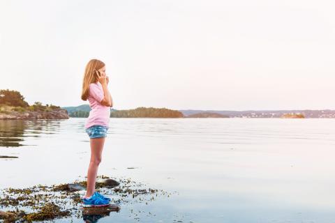 Mängder av gamla mobiltelefoner i svenska hem – men bara var femte återvinner