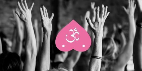 Under Yogamarathon skänks alla frivilliga donationer till Bröstcancerfonden.