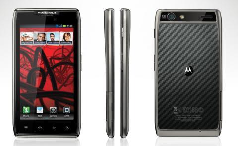 Nu finns Motorola Razr Maxx hos 3