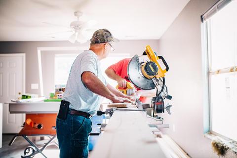 Var tredje småföretagare vill ta emot en nyanländ som praktikant