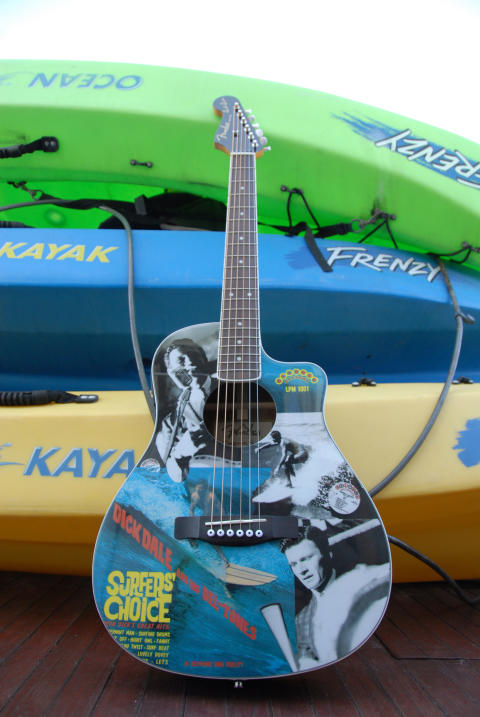 Fender® Acoustic Dick Dale Surfers Choice ltd