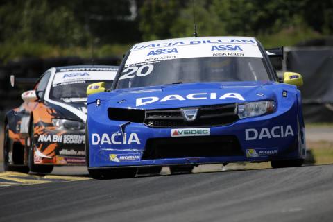 Mattias Andersson och Dacia Dealer Team drömmer om fler pallbesök i STCC