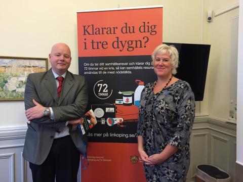 Säkerhetschef Johan Edvardsson och KSO Kristina Edlund