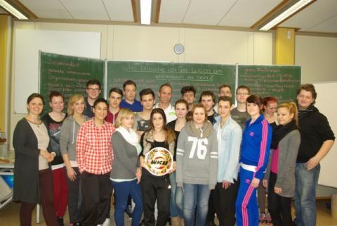 Kick for Future für den Branchennachwuchs in Bremen –  mit dem 14-fachen Kickbox-Weltmeister zum Erfolg