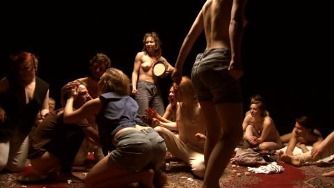Joanna Lombard. Stillbild ur Orbital Re-enactments (2010)