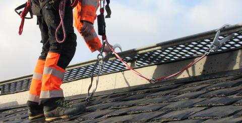 Tid att installera och komplettera fallskydd för dig och din personal!