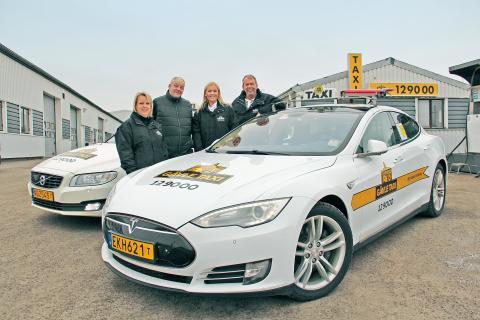 Det lokala taxibolaget öppnar klimatsmart tankstation
