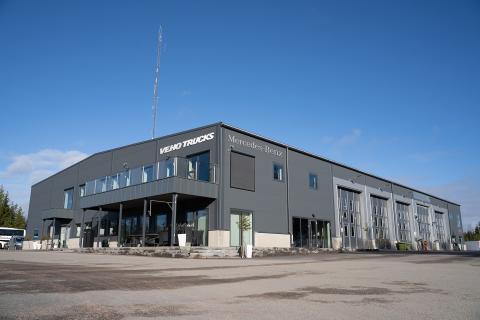 Veho Bil öppnar ny lastbilsanläggning för Mercedes-Benz i Gävle.