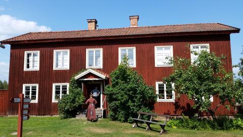 Världsarvet Hälsingegårdarna bevaras med hjälp av Högskolan i Gävle